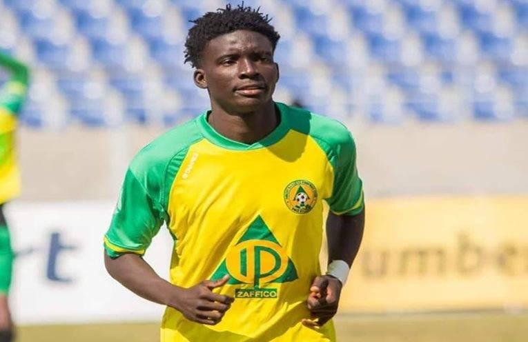 Zambian football player austin muwowo